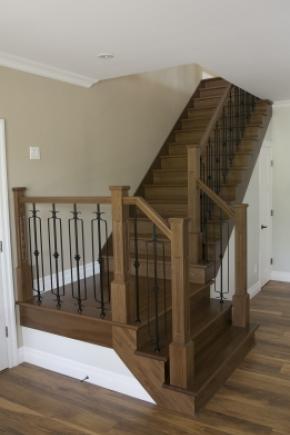 Escalier avec palier ouvert 1 côté en frêne