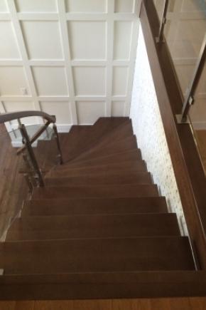 Escalier Poutre centrale balancé