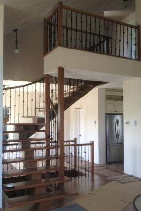Escalier poutre centrale en érable